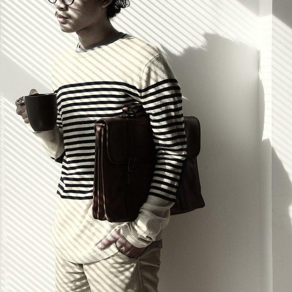 ミニマリストを意識したファッションにおける小物の選び方やポイント
